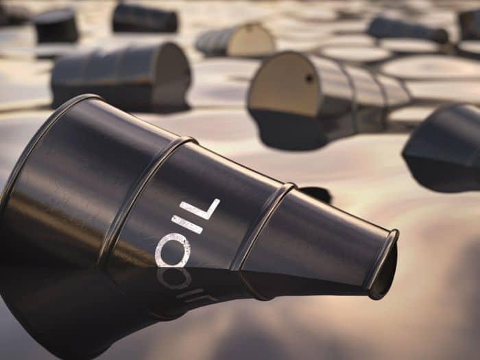 http---coresites-cdn.factorymedia.com-mpora_new-wp-content-uploads-2016-04-Barrels-Oil-Water-Pollution