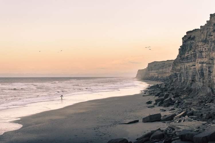 2 Los acantilados del balneario El Cóndor en Río Negro - Foto de @betoviedo