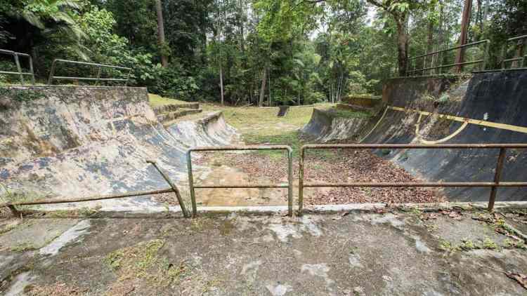 http-coresites-cdn-factorymedia-com-sidewalk-wp-content-uploads-2016-11-lost-malaysian-skatepark-3