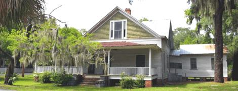 graves house before restoration 1