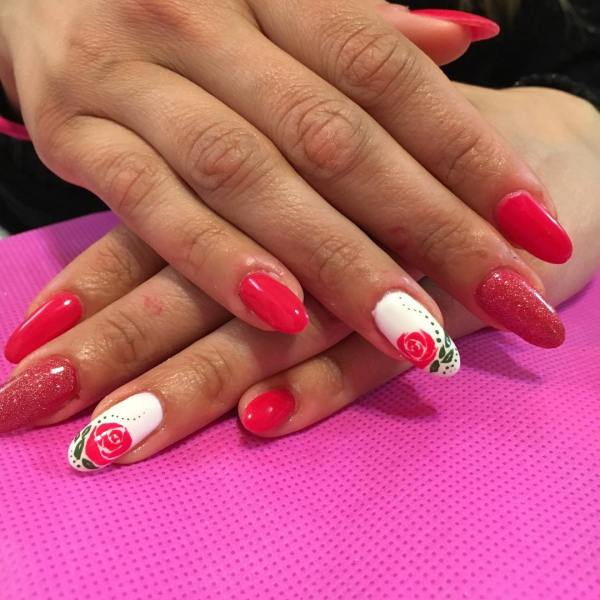 Lovely Spring Nail Design Sport Style With Elan