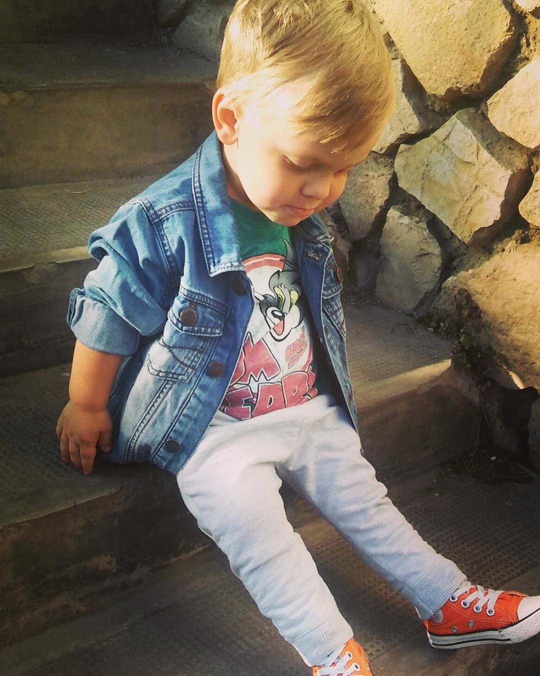 40 Voguish Converse Spring Outfit for Boys That Deserves to Be Flaunted