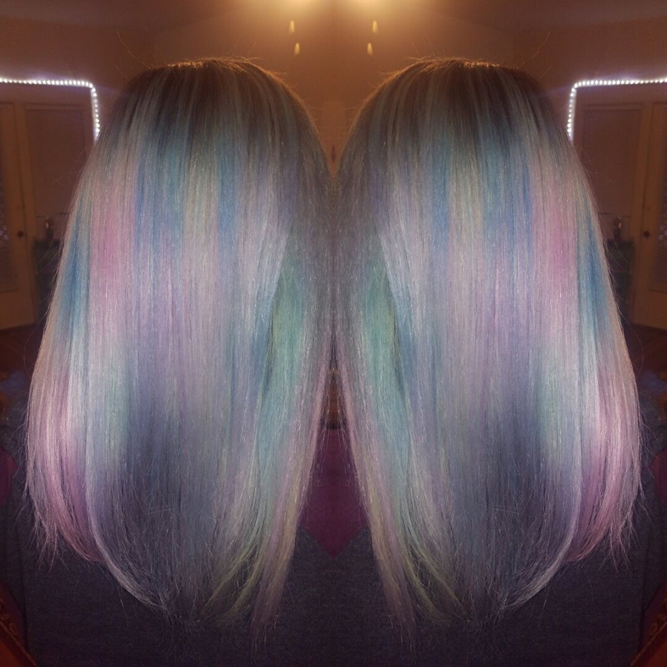 40 Iridescent Holographic Hair Coloring Ideas to Make Your Hair Resemble a Pastel Colored Rainbow