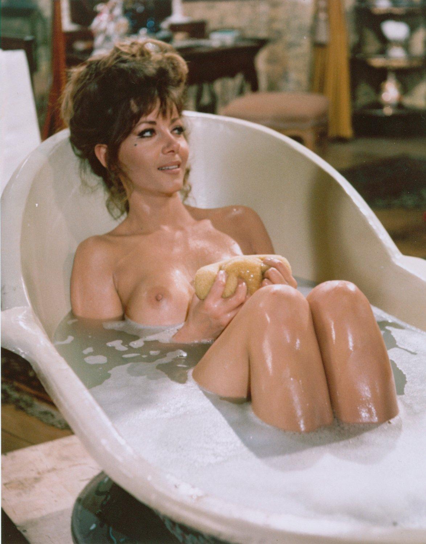 Ingrid Pitt en todo su esplendor!
