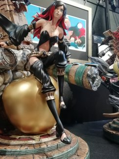 Prime 1 Studio's Raven Statue shown an their museum.