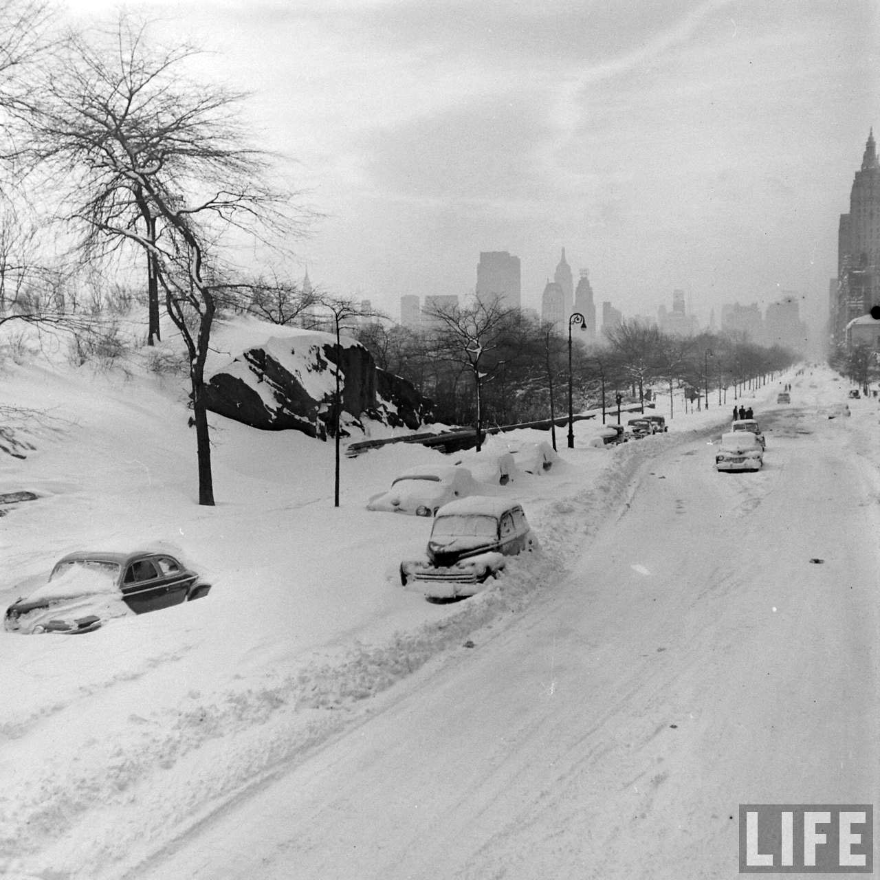 New York City Blizzard 1947  grayflannelsuitnet