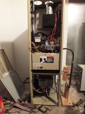 Snyder General  Gray Furnaceman Furnace Troubleshoot and Repair