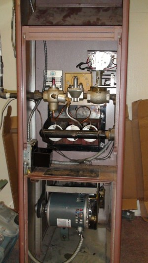 Gas furnace that has a pilot light troubleshoot  Gray