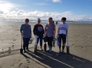 Washington coast clam digging (5)