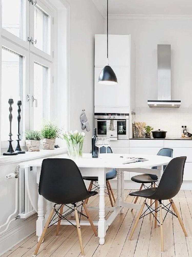 Come inserire il tavolo in una cucina piccola 10 idee da copiare  Graziait