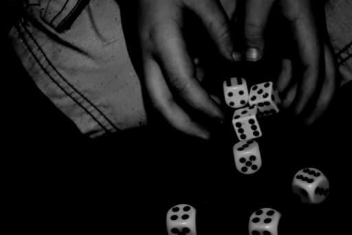 オンラインカジノとギャンブル依存症