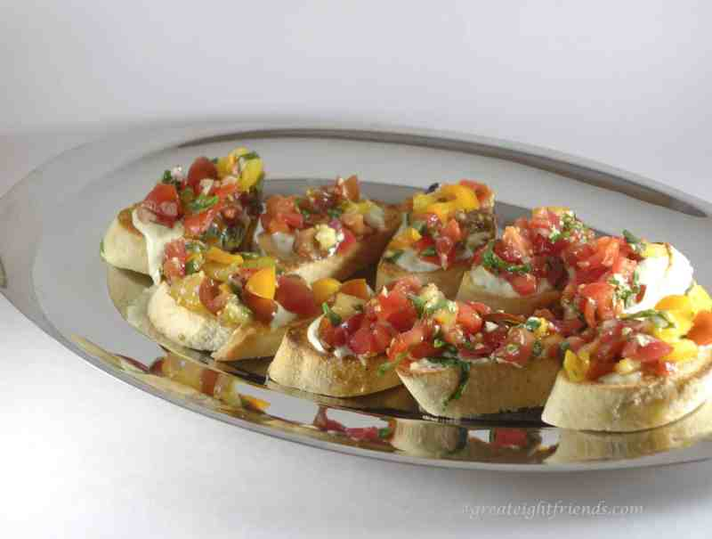 Tomato-Crostini-Serving