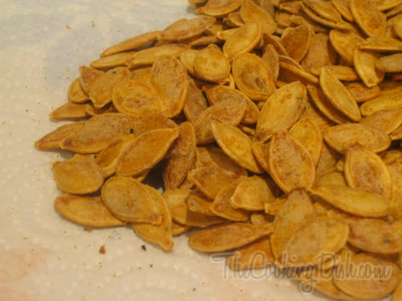 spooky treats pumpkin-seeds-lemon-picante-001