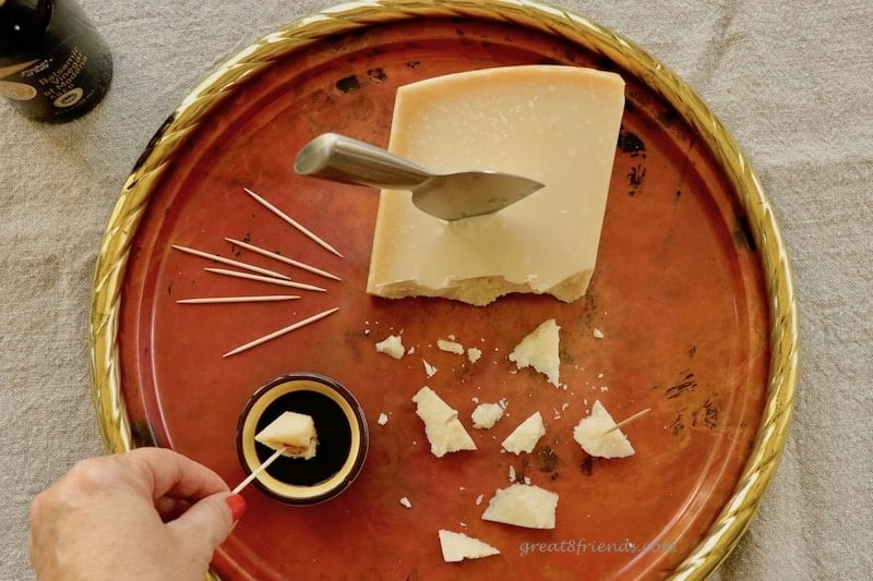 This Balsamic Vinegar with Cheese is the easiest appetizer you will ever make. Find out how to choose authentic Balsamic Vinegar of Modena here!