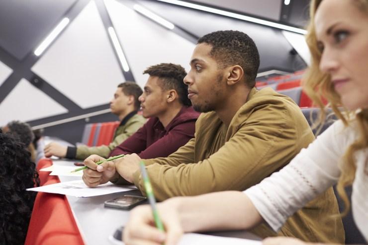 studenten in collegezaal