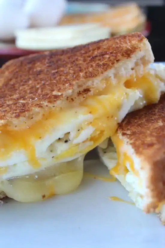 Fried Egg Grilled Cheese Sandwich - Great Grub, Delicious ...