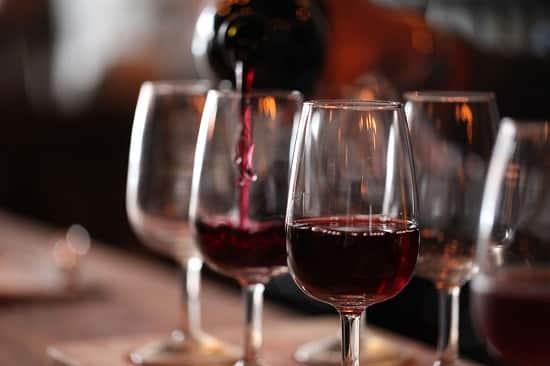 Вино по вечерам может дать вашему мозгу больше, чем математика!