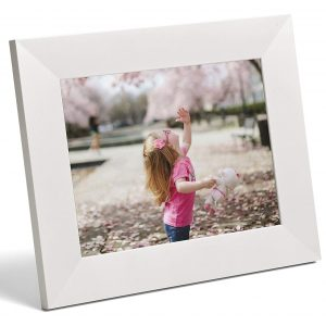 Aura Digital Photo Frame - Free Cloud Storage