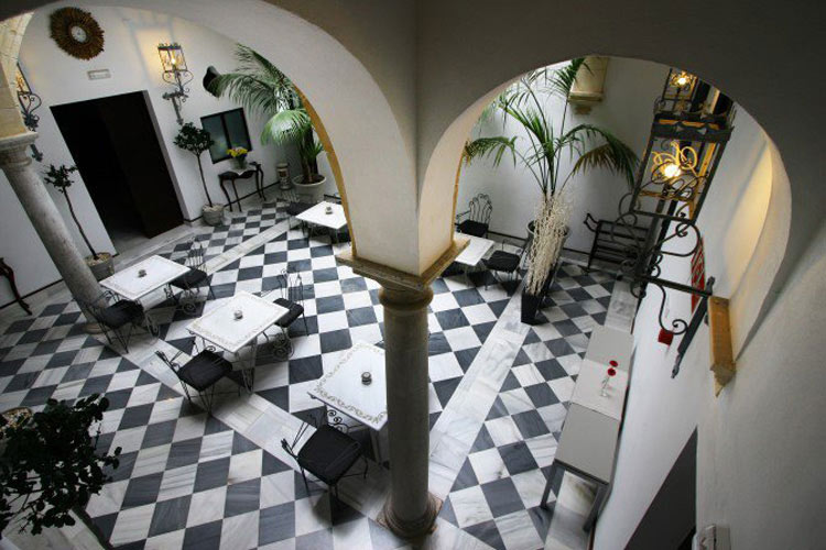 Palacio San Bartolom un hotel boutique en El Puerto De Santa Mara