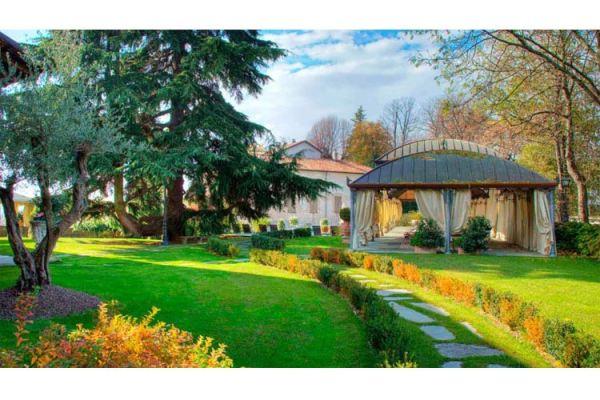 Hotel Villa Beccaris a boutique hotel in Piedmont