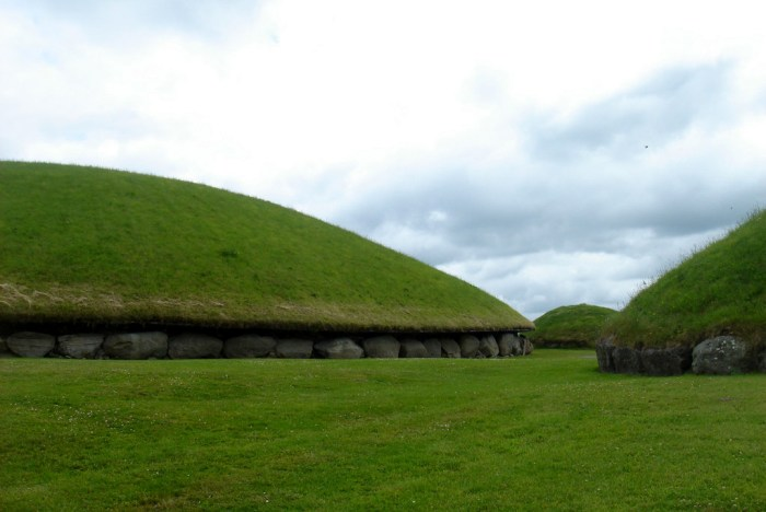 newgrange mounds, ireland