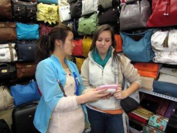 Bartering, Haggling, Pearl Market, Beijing, China