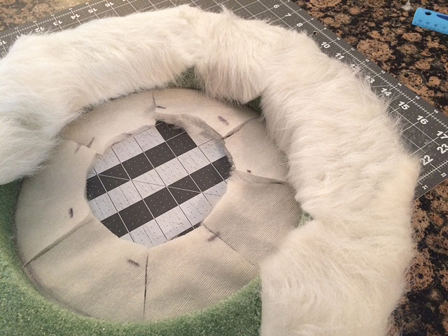 faux fur wreath_outside wrap