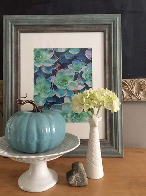 fall-decor-blue-pumpkin
