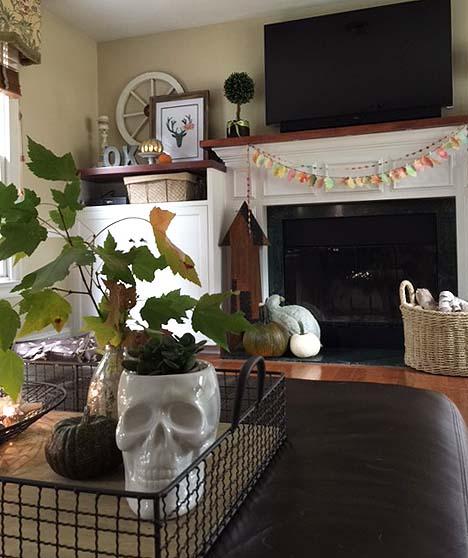 fall-decor-lv-room-coffee-table-2