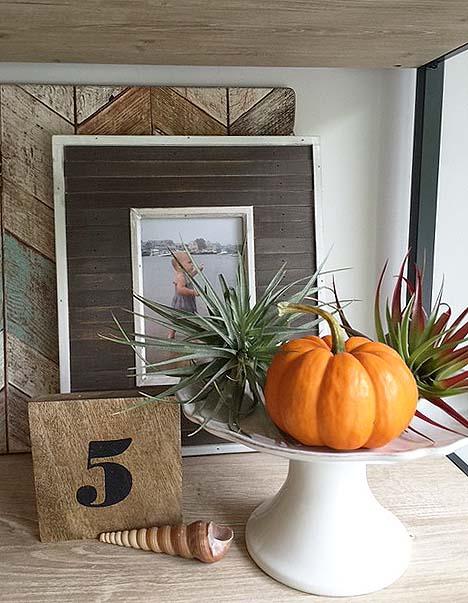fall-decor-pumpkin-detail
