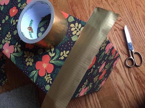 greco design box_gold tape