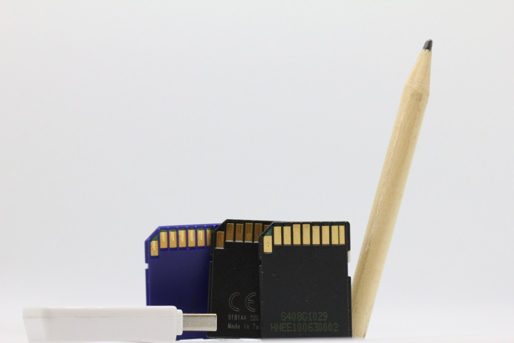 memory-card-2193558_1920