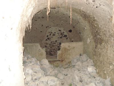 Santorini hotels built in cave houses