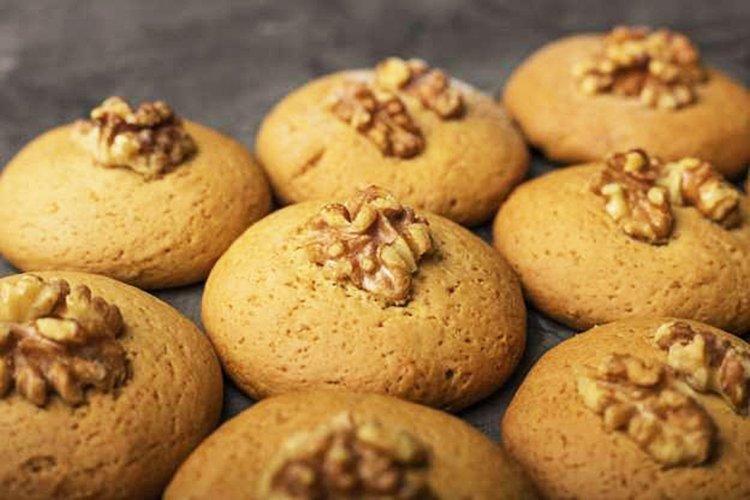 Keto walnut cookies - from the land across the shiny sea 1