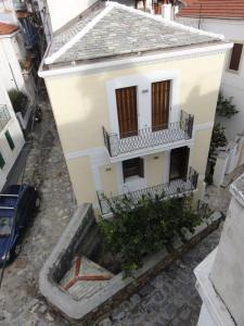 year-2009-2011-construction-of-3-storey-neoclassical-residence-in-the-town-of-skopelos