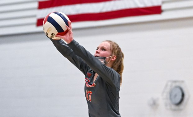 GREELEY, CO - APRIL 06:Eaton's Delaney Ochsner (17) digs during the University Bulldogs volleyball game against the Eaton Reds at University Middle School in Greeley April 6, 2021. The Reds defeated the Bulldogs 3-1. (Alex McIntyre/Staff Photographer)