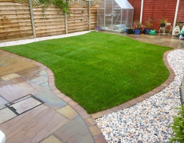 turfing-turf-rowlawn-landscapers-green-onion-landscaping-sandstone-patio-cobbled