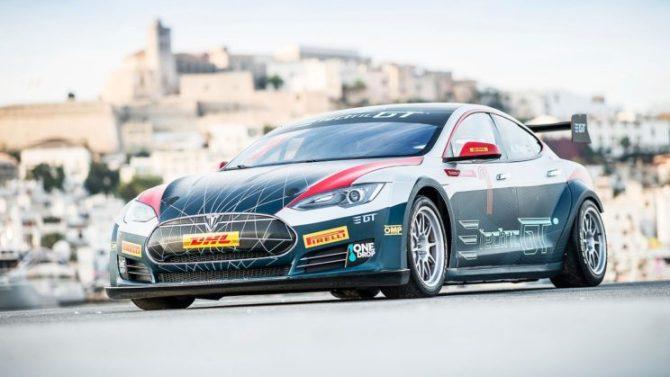 Tesla Model S gotowa do startu w Mistrzostwach Electric GT