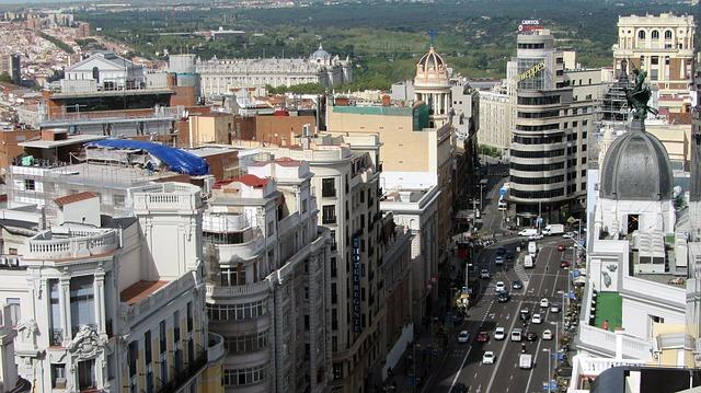 Vehiculele care emit cele mai multe noxe, interzise în centrul Madridului