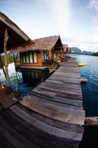 Khao Sok Deluxe Raft House