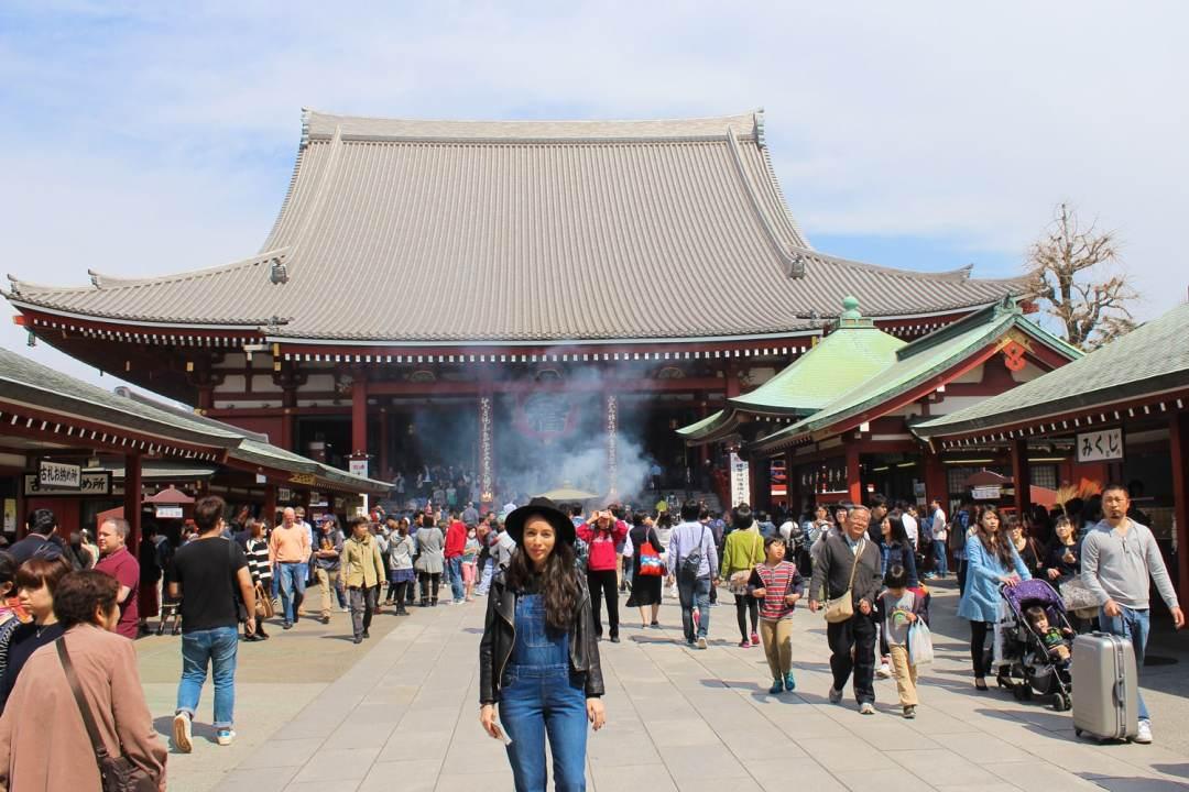 JAPAN CUSTOMS CROWDS