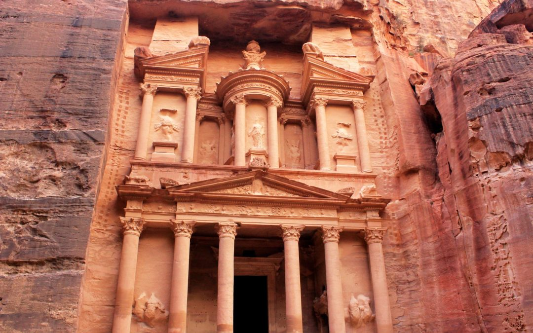 PETRA, JORDAN: A DAY IN THE LOST CITY OF STONE
