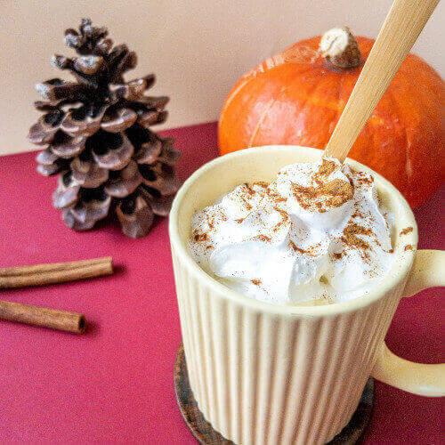 pumpkin spice mug cakes