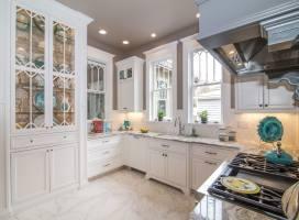 Custom Kitchen Cabinets Seeded Glass White Glass Shelves ...