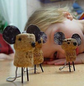 Ratinhos feitos de rolhas de cortiça_ideiasmuitogiras.blogspot.pt