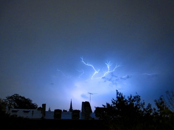 Continuous lightning