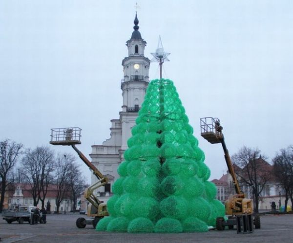 Eco Friendly Christmas chirstmas goes green with the huge eco-friendly christmas tree