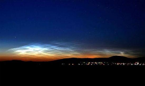 night glowing cloud