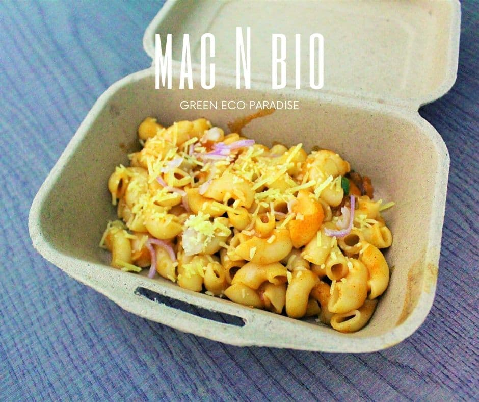 Spicy mac and cheese in our biodegradable lunch box