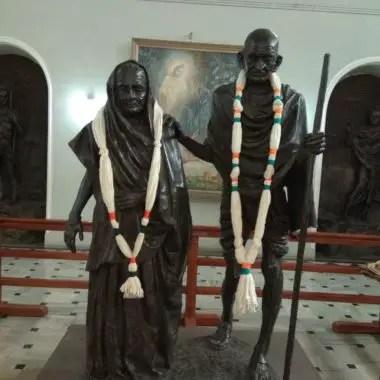 Mahatma Gandhi and Kasturbaji's statue at first room